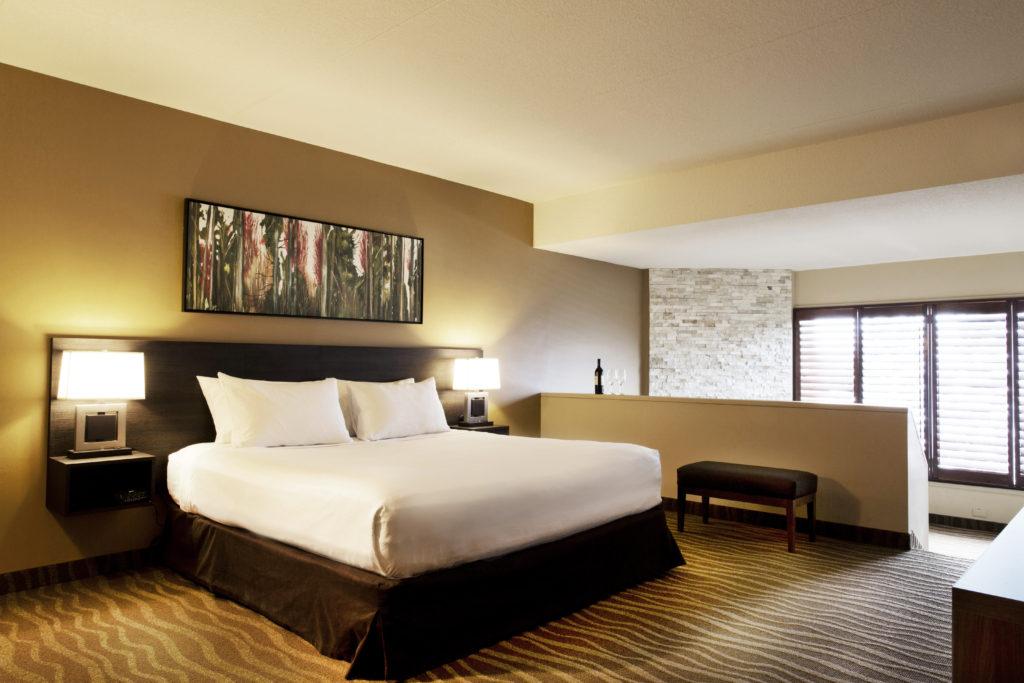 Deluxe Room Horseshoe Resort Barrie Ontario